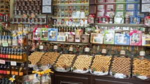 candy-store-1521472_960_720